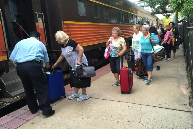 Passengers board the Hoosier State train Friday, August 19, 2016 (Chris Morisse Vizza/WBAA)