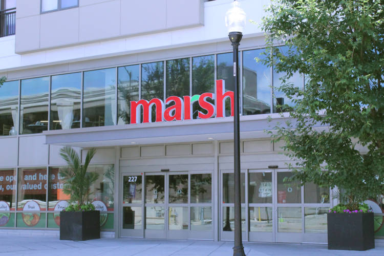 A Kroger subsidiary made an offer on 11 Marsh stores, including this one in Indianapolis, at Monday's bankruptcy auction. (Lauren Chapman/IPB News)