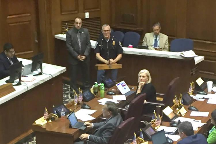ISP Major Mike White testifies at a hearing on gun laws. (Jill Sheridan/IPB News)