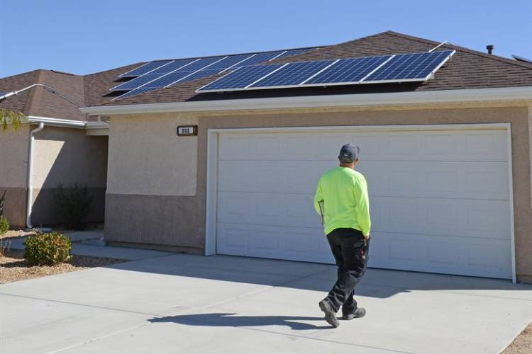 A home fitted with solar panels at Edwards Air Force Base in California, October 2017. (Kenji Thuloweit/U.S. Air Force)