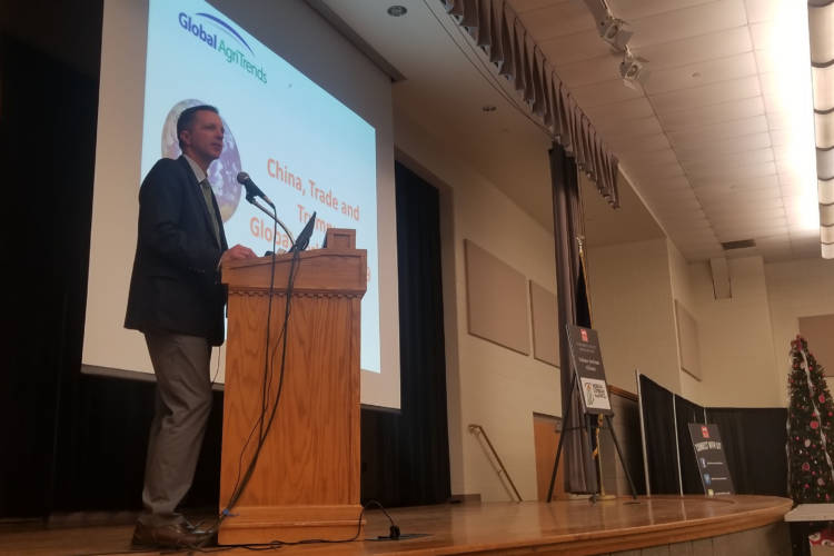 Global AgriTrends President and CEO Brett Stuart gives the economic update at the Midwest Pork Conference Tuesday. (Samantha Horton/IPB News)