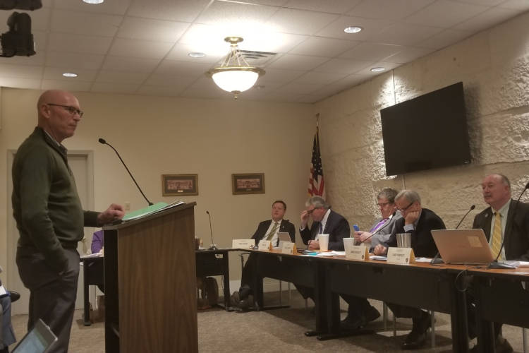 Osborn Seed President Dan Osborn testifies to the Senate Commerce and Technology Committee on legalizing commercial hemp production in Indiana. (Samantha Horton/IPB News)