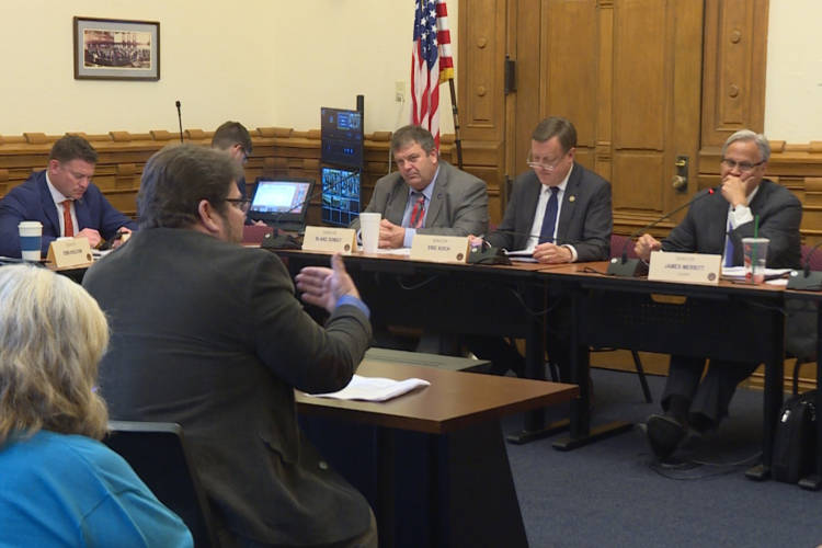 The Citizens Action Coalition's Kerwin Olson expresses his opposition to the TDSIC bill in front of the Senate Utilities committee (Rebecca Thiele/IPB News)