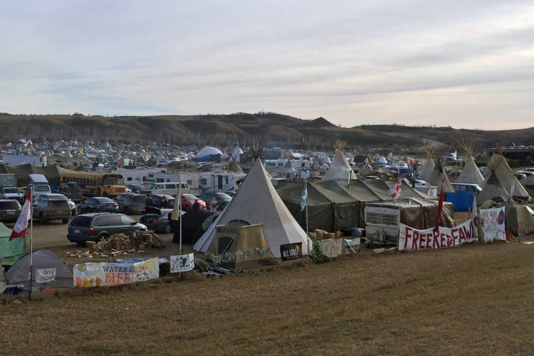 Oceti Sakowin Camp Standing Rock during the Dakota Access Pipeline protests, 2016 (Wikimedia Commons)