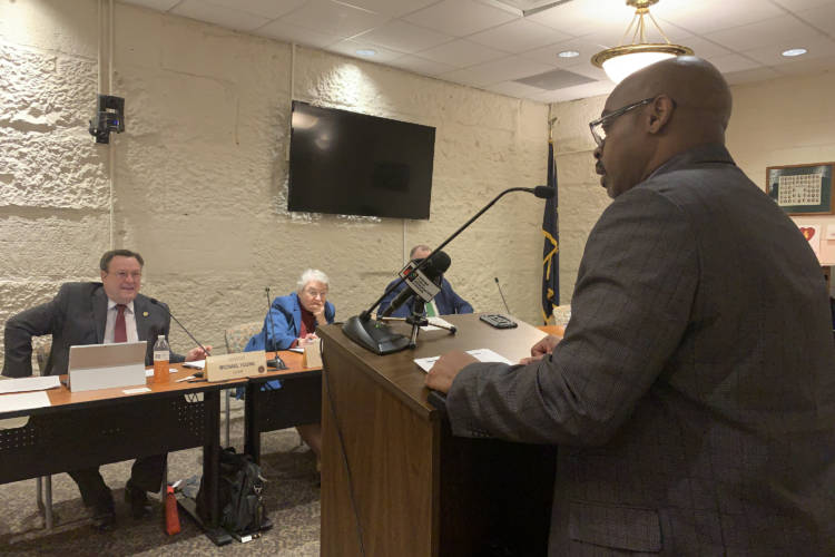 Roosevelt Glenn, who spent 17 years in prison for a rape he didn't commit, addresses a Senate committee. (Brandon Smith/IPB News)