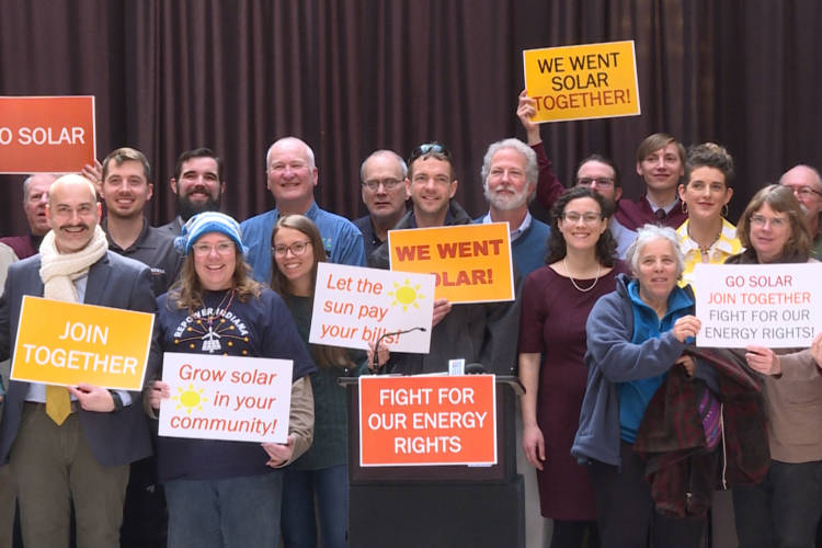 Hoosiers rallying for renewable energy policies at the 2019 Renewable Energy Day at the Statehouse (Rebecca Thiele/IPB News)