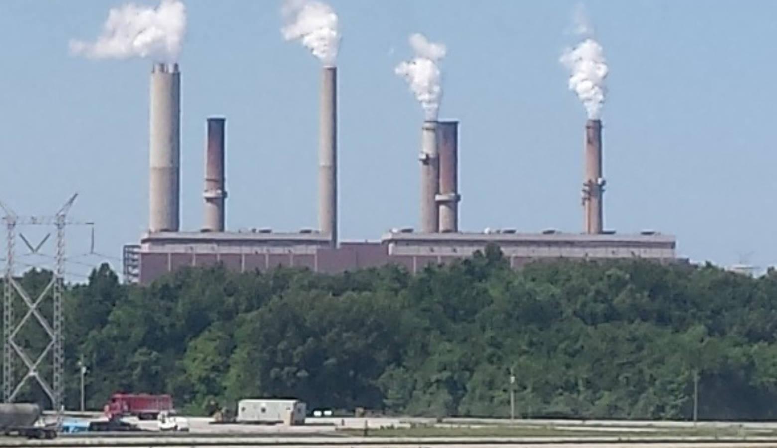 Duke Energy's Gibson generating station, 2016 (Wikimedia Commons)