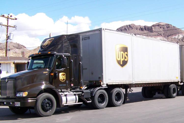 A UPS truck in Beatty, Nevada, 2009 (Mark Holloway/Wikimedia Commons)