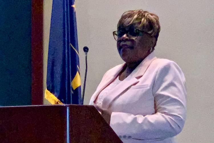 U.S. Census Bureau Regional Director Marilyn Sanders speaks to Indiana state agency personnel. (Brandon Smith/IPB News)