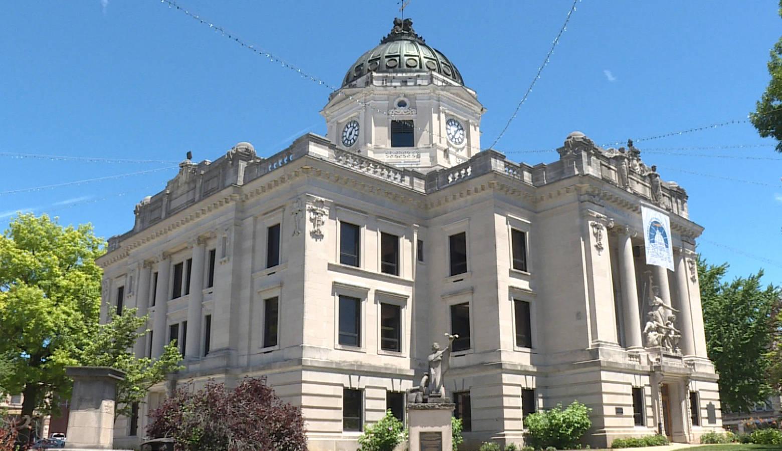 The Monroe County Courthouse. (Barbara Brosher/WTIU)