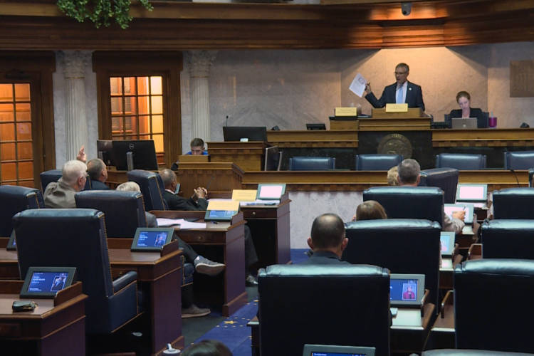 The education-focused summer study committee meets for the final time of 2019 in the Senate chamber. Lawmakers on the committee also serve on the education committees during the legislative session. (Jeanie Lindsay/IPB News)