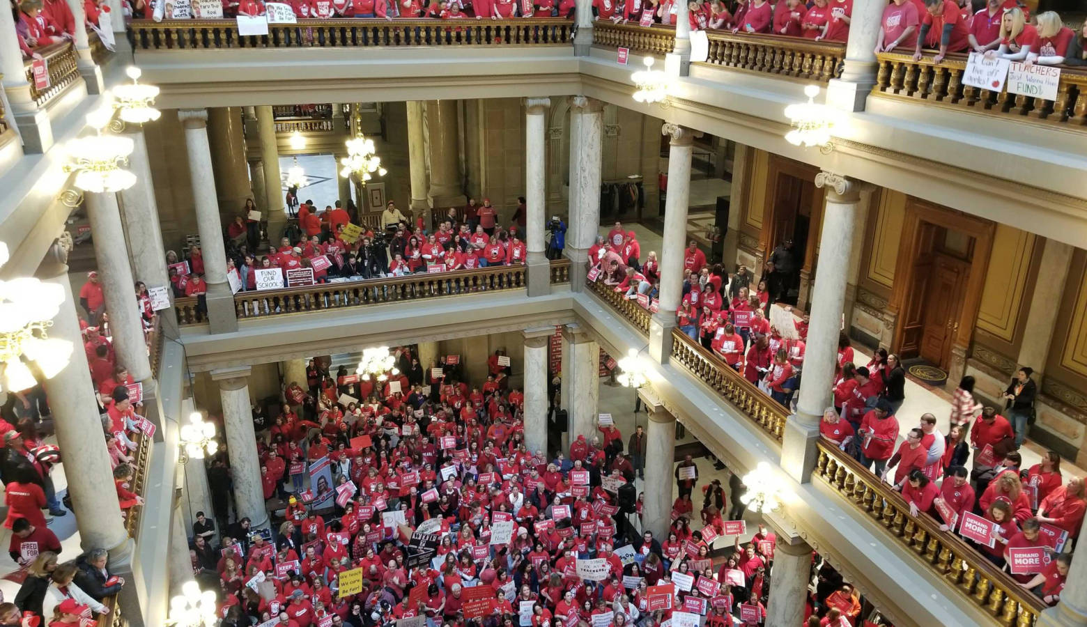 Teachers rally at the statehouse in March 2019. (Jeanie Lindsay/IPB News)