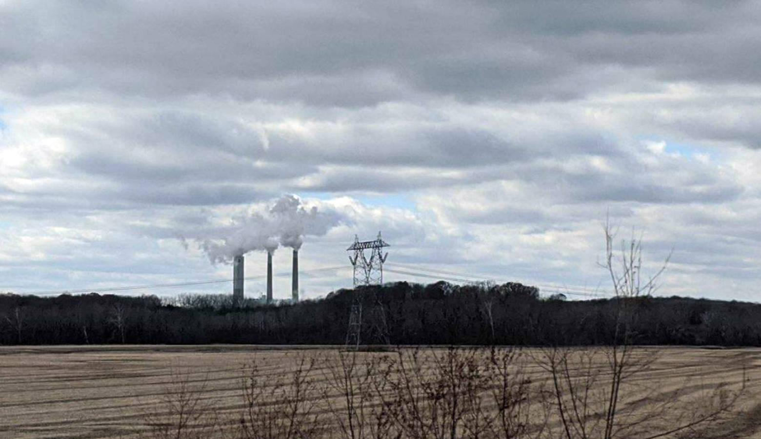 The Petersburg coal plant off of Highway 57. (Rebecca Thiele/IPB News)