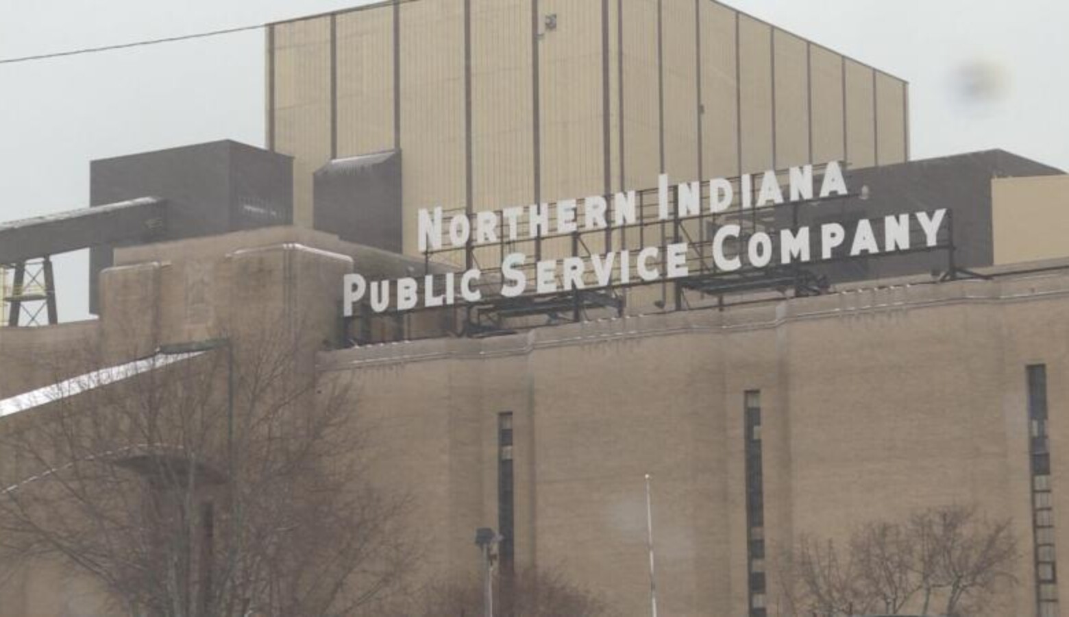 NIPSCO is set to retire this coal plant in Michigan City by 2028. (Tyler Lake/WTIU)