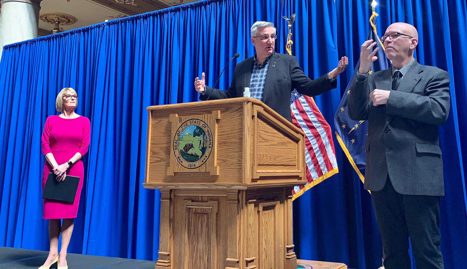 Gov. Eric Holcomb discusses the state's latest updates on COVID-19 relief. (Brandon Smith/IPB News)