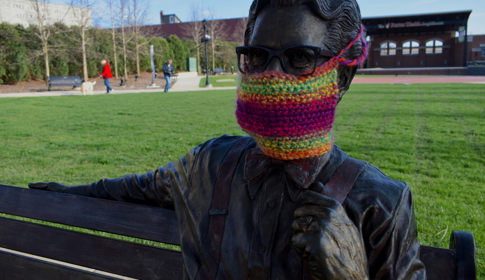 A statue of Orville Redenbacher in downtown Valparaiso with a knit mask over its face. (Justin Hicks/IPB News)