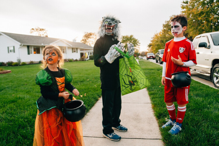 Indiana's State Health Commissioner says she believes there is a safe way that Hoosiers can enjoy Halloween this fall amid the ongoing COVID-19 pandemic. (Pxhere)