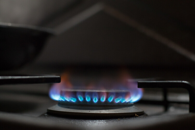 Cities in states like California, Ohio, and Massachusetts have banned gas stoves and other natural gas equipment in new buildings because of climate concerns. (Ivan Radic/Wikimedia Commons)