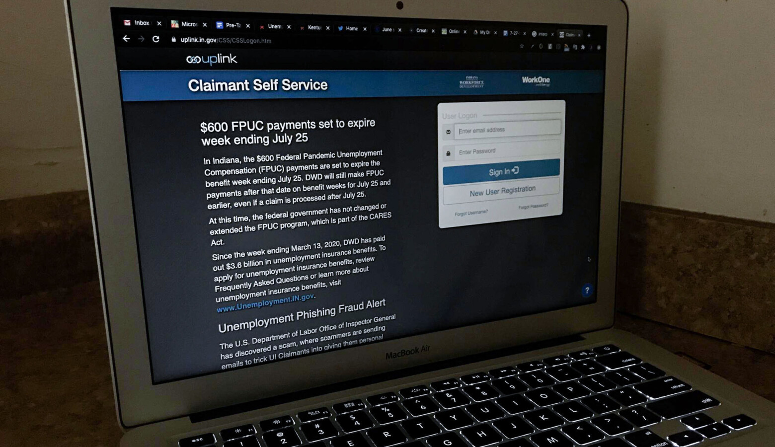 The online Uplink system where Hoosiers must apply for unemployment benefits alerts visitors that FPUC payments are set to expire. (Justin Hicks/IPB News)