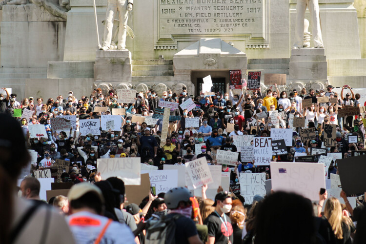 Critics of the rioting bill say it's an overreaction to the Black Lives Matter protests in summer of 2020. (Lauren Chapman/IPB News)