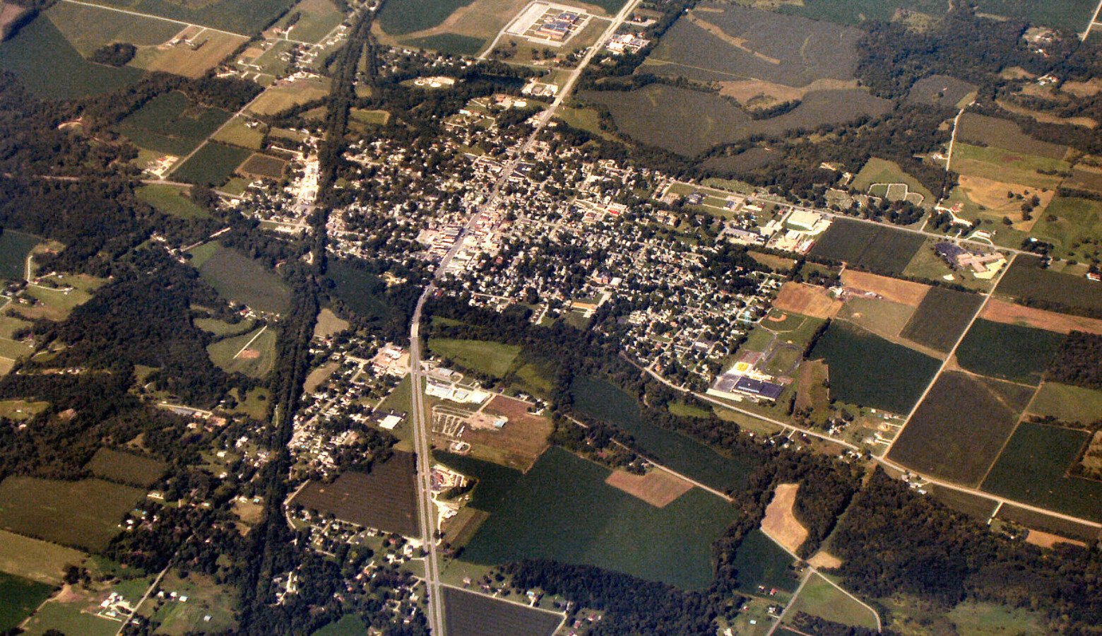 1280px-Knightstown-indiana-from-above