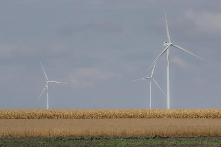 Indiana counties that want to develop new wind ordinances would have to either follow state guidelines or create renewable energy districts. (FILE PHOTO: Annie Ropeik/IPB News)