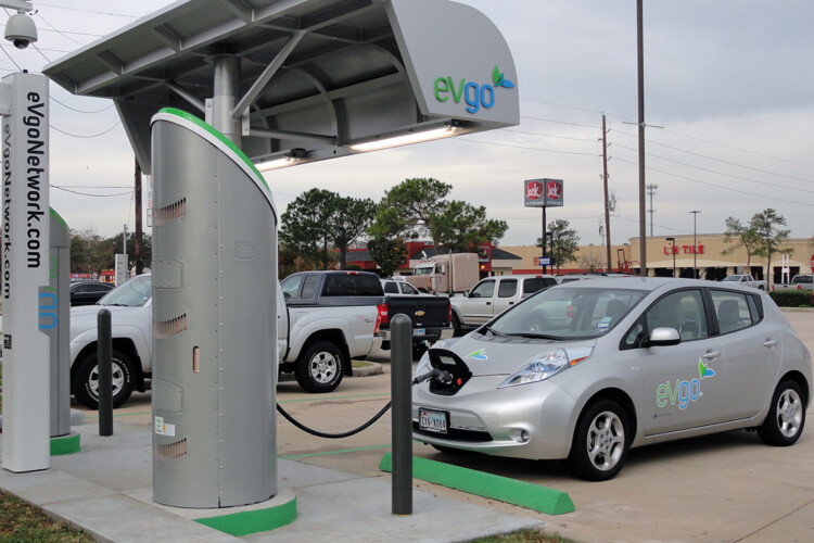 A Nissan LEAF charging at a station in Houston, Texas that has both DC fast chargers and lower-level chargers. (eVgo Network/Wikimedia Commons)