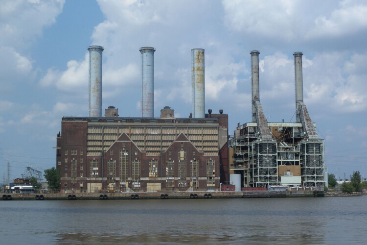 """The Kearny Generating Station is a small natural gas plant or """"peaking power plant"""" in New Jersey much like the ones CenterPoint wants to build. (King of Hearts/Wikimedia Commons)"""